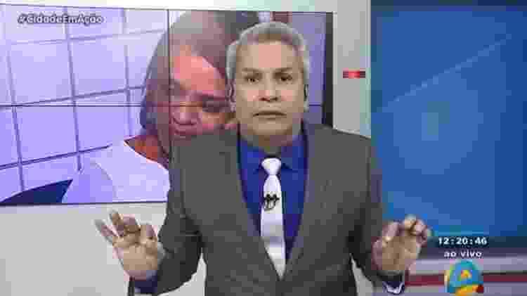 """O apresentador Sikera Junior diz que mulher que não pinta a unha é """"sebosa"""" em seu programa na TV Arapuan, afiliada da RedeTV! na Paraíba - Reprodução/TV Arapuan - Reprodução/TV Arapuan"""