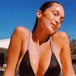 25 looks de Bella Hadid, rainha dos maiôs e biquínis, para copiar no verão - Reprodução/Instagram