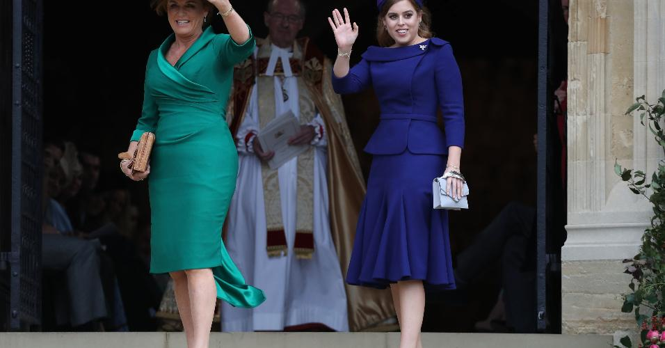 Sarah, a duquesa de York e mãe da noiva, e a filha, princesa Beatrice