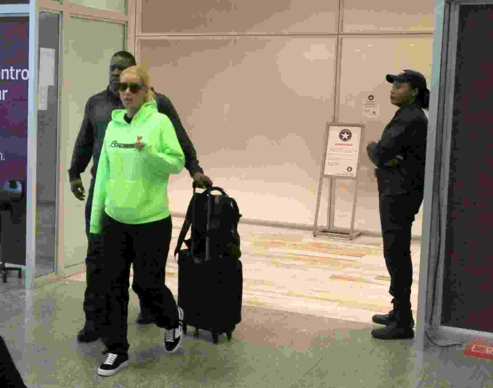 A cantora Iggy Azalea desembarcou nesta quinta-feira (27) no Aeroporto Internacional do Rio de Janeiro - Ag News