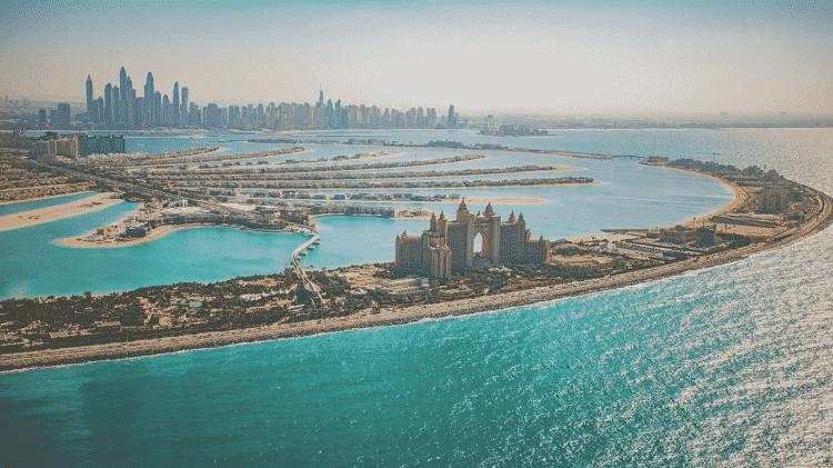As praias tëm areia branca fininha e água cristalina e morna - Divulgação/Turismo Dubai