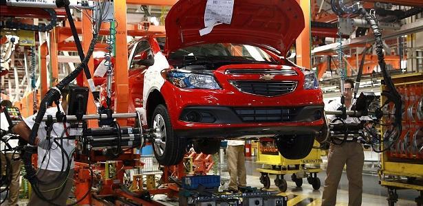 Exclusivo | Chevrolet Onix sofre com falta de peças e terá sua produção suspensa pela GM