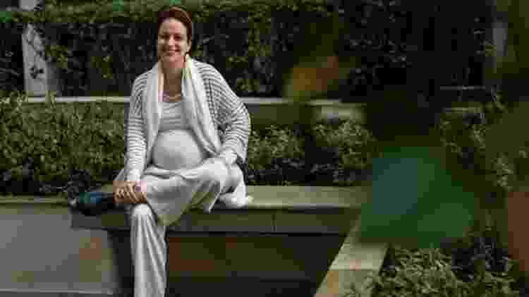 """""""Parece até que estou tendo uma gravidez invisível. Quase ninguém vai me ver com barrigão"""", diz Nira Cará - Deutsche Welle - Deutsche Welle"""