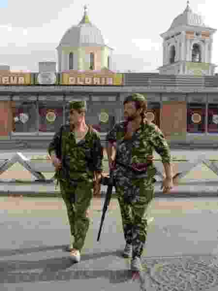 Soldados da Guarda Nacional da Transdnístria durante a guerra, em 1992 - TASS via Getty Images - TASS via Getty Images