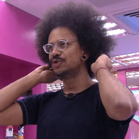 BBB 21: João Luiz tem salário de R$ 2.000. Quanto tempo levaria para juntar o equivalente ao prêmio de R$ 1,5 milhão? - Reprodução/Globoplay