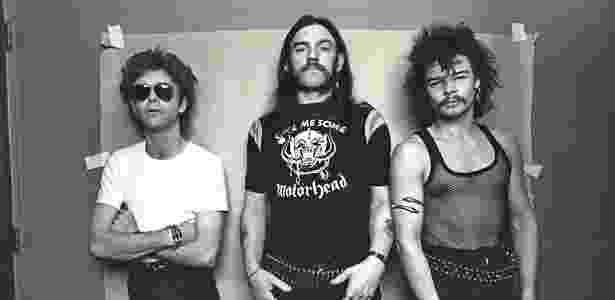 Phil, de camiseta, fez parte da formação clássica do Motorhead - Divulgação