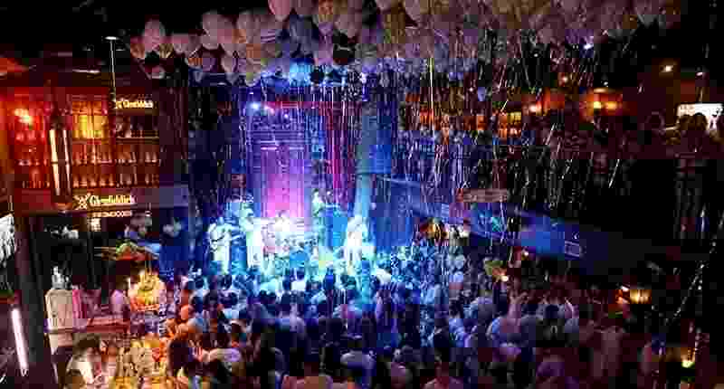 Ambiente do bar Charles Edward, em São Paulo, que recebe a Festa do Branco no Réveillon - Divulgação