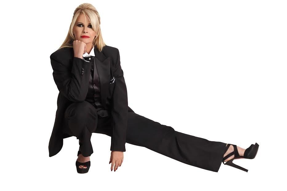Monique Evans diz que não é vaidosa: