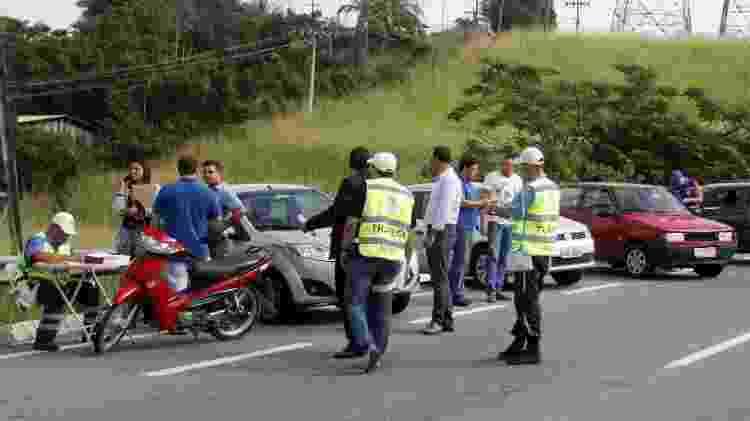 A fiscalização exigirá o licenciamento 2017; multa para quem não licenciar veículo é de R$ 293,47 - Divulgação/Detran SP - Divulgação/Detran SP