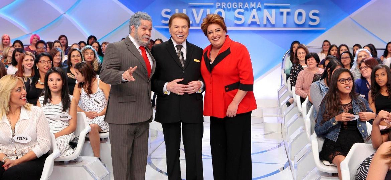 Silvio Santos recebe imitadores de Lula e Dilma Rousseff em seu programa no SBT - Lourival Ribeiro/SBT
