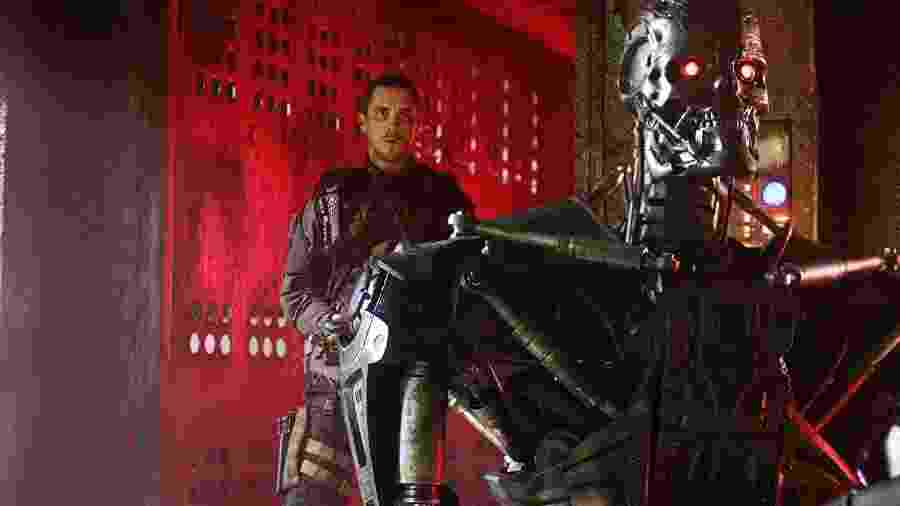 """Cena de """"O Exterminador do Futuro: A Salvação"""" - Divulgação"""