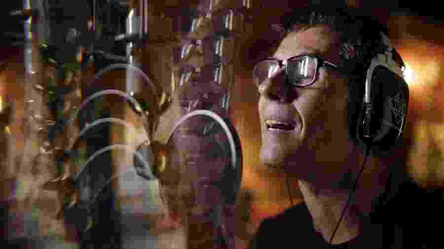"""Dinho Ouro Preto, vocalista do Capital Inicial, durante a gravação do 14º álbum de inéditas da banda, """"Sonora"""" - Bruno Trindade/b+ca"""