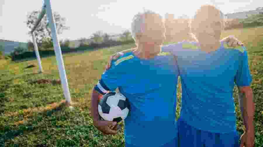 Pacientes com pré-diabetes têm maior prevalência de fraturas ósseas e futebol pode ajudar na prevenção  - iStock