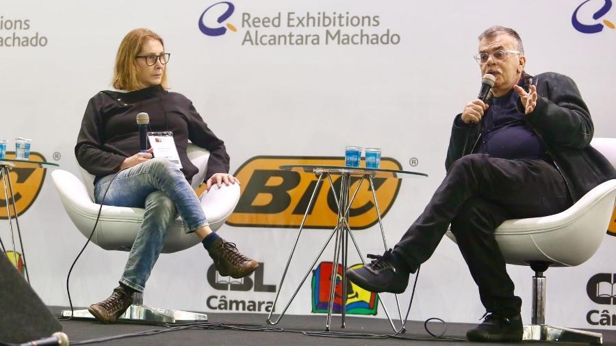 Walcyr Carrascon e Adriana Falcão participam de um debate na Bienal do Livro de São Paulo 2018 - Iwi Onodera/UOL