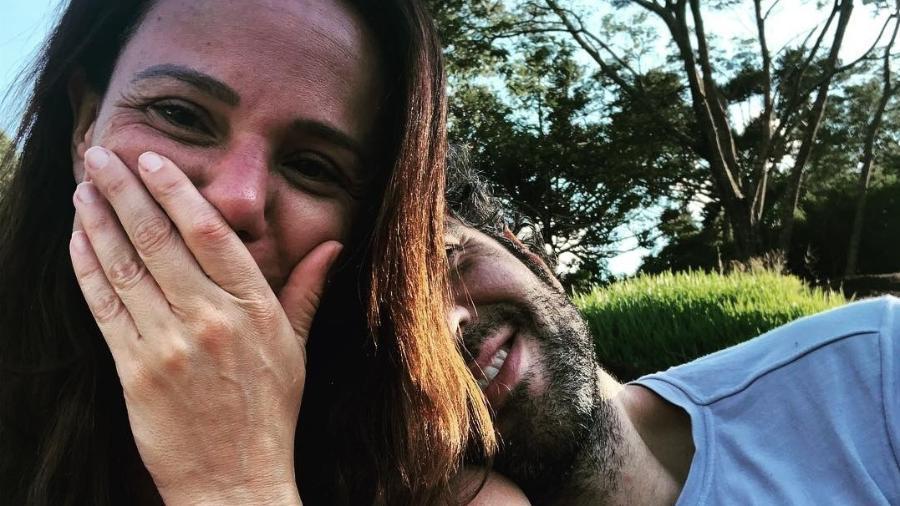 Vanessa Gerbelli posa ao lado do namorado, Danilo Dal Farra - Reprodução/Instagram
