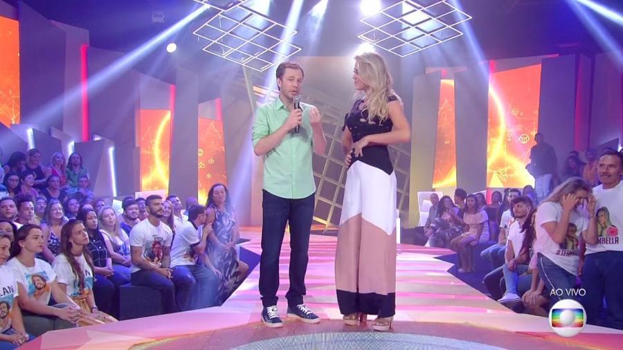 Tiago Leifert conversa com Isabella após eliminação - Reprodução/TvGlobo