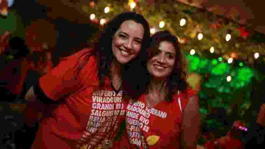 Ana Carolina e Chiara Chivelo chegam juntas a camarote na Sapucaí - Laís Gomes / UOL
