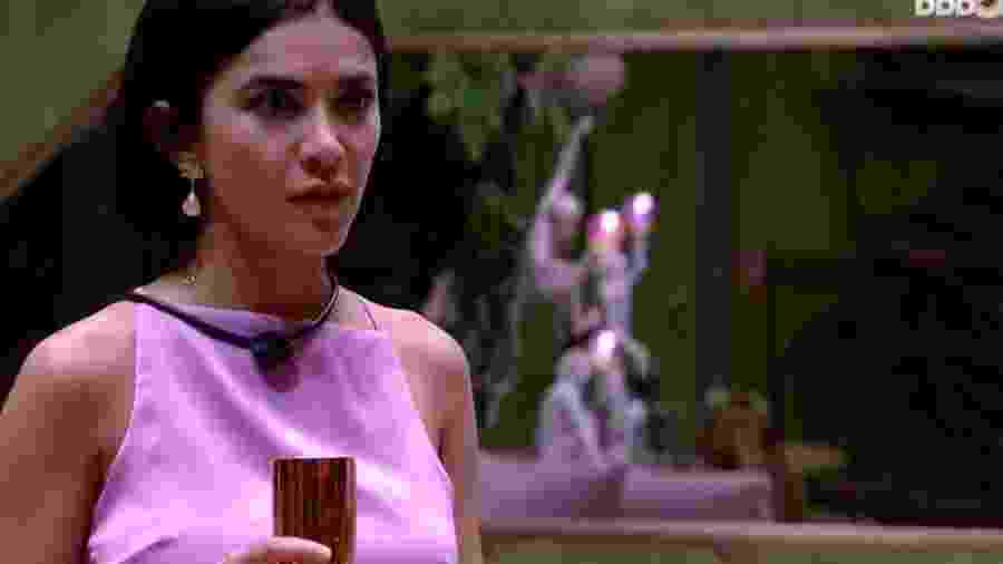 Manu assiste live de Ivete Sangalo com seu vestido de R$ 112 - Reprodução/GlobosatPlay