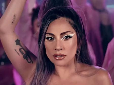 Delineador branco de Lady Gaga em videoclipe: como usar tendência?