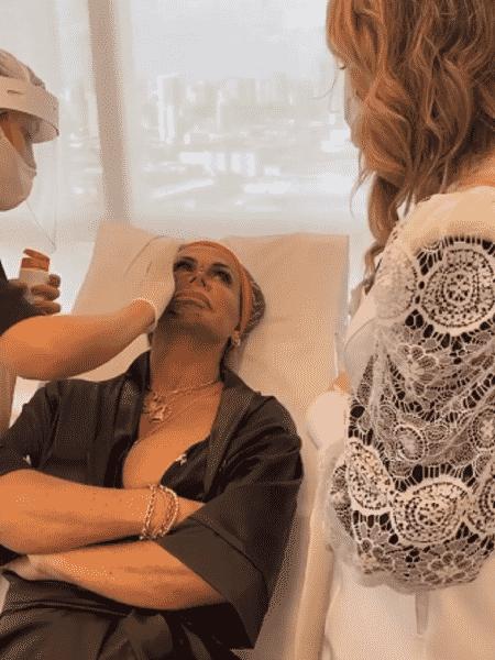 Gretchen fazendo procedimento estético em Belém - Reprodução/Instagram