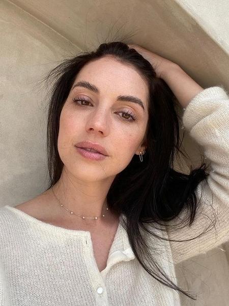 Adelaide Kane - Reprodução/Instagram
