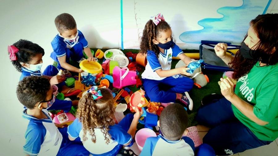 Brinquedos achados durante um ano de monitoramento foram doados - Carlos Madeiro/UOL