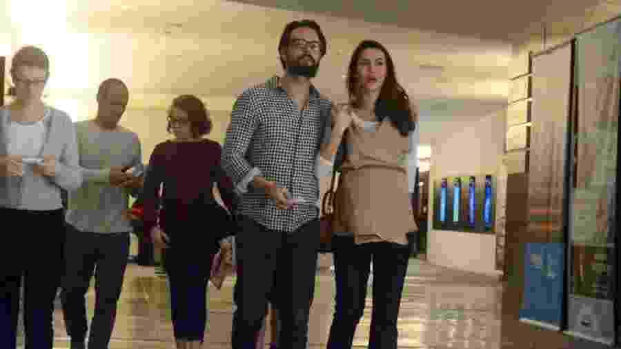 Grávida, Mel Fronckowiak vai ao cinema com Rodrigo Santoro no Rio  - Ag.News