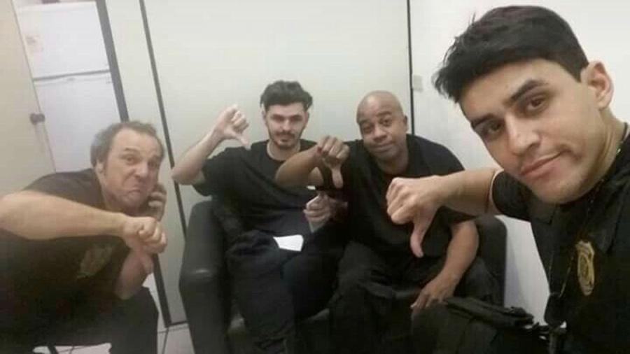 Os atores Levi Cavalini, Netto Dantas, Toninho Tornado e Rodrigo Zuki, das pegadinhas da RedeTV!: detidos após gravar com uniforme da PF - Reprodução