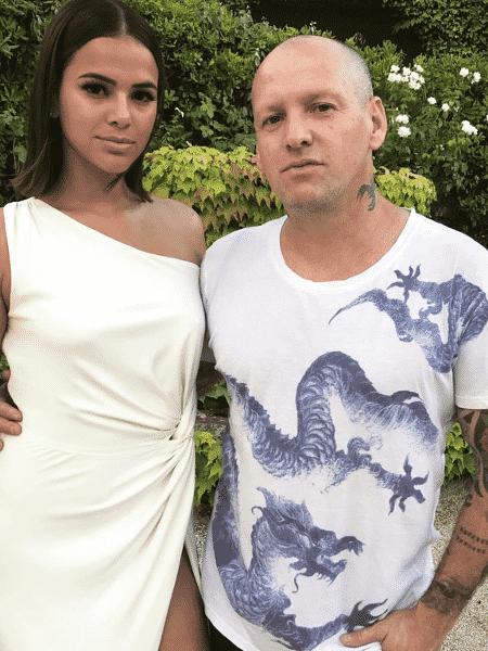 Bruna Marquezine com amigo em jantar de gala - Reprodução/Instagram - Reprodução/Instagram