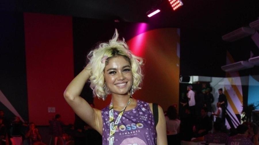 Sophie Charlotte mostra o charme dos cabelos loiros em camarote na Sapucaí - Brazil News/RT Fotografia/CS Eventos divulgação