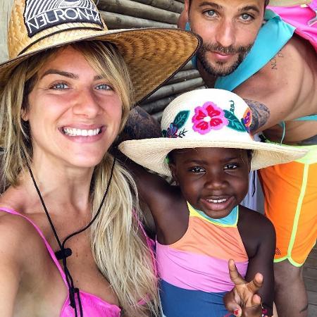 Giovanna Ewbank, Bruno Gagliasso e Titi  - Reprodução/Instagram/gio_ewbank