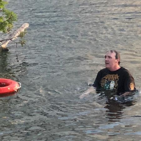 Fã bêbado é expulso de show do Slayer e tenta voltar nadando - Reprodução/Instagram