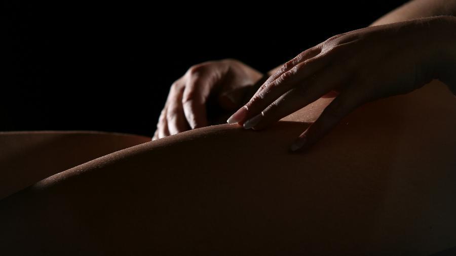 A terapia tântrica pode nem chegar aos estímulos em órgãos sexuais - iStock