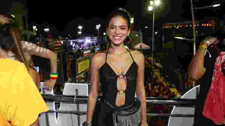 Bruna Marquezine participa do trio elétrico de Anitta no circuito Barra-Ondina, em Salvador - Dilson Silv/AgNews
