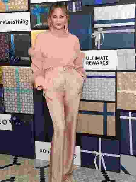 A modelo Chrissy Teigen orientou mulheres a fazerem o papanicolau - Reprodução/Instagram