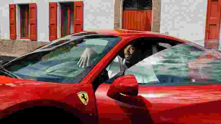 Kobe Bryant e Ferrari - Divulgação - Divulgação