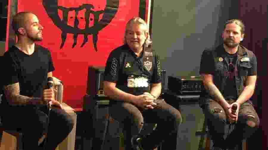 """Eloy Casagrande (bateria), Paulo Xisto (baixo) e Andreas Kisser (guitarra) na coletiva de lançamento de """"Quadra"""" - Adriana de Barros"""