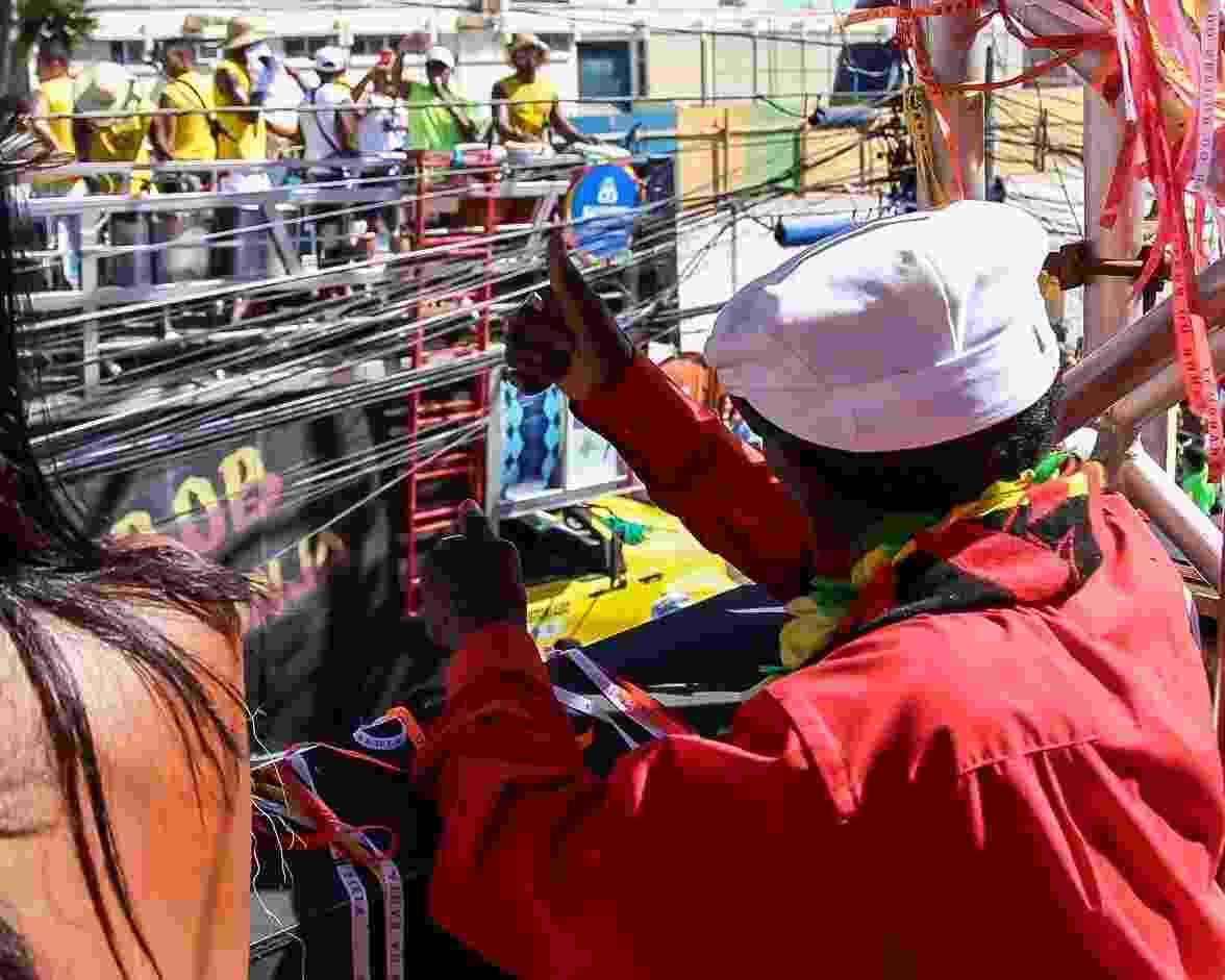 Clementino Rodrigues no bloco Mudança do Garcia - Soraia Carvalho/UOL