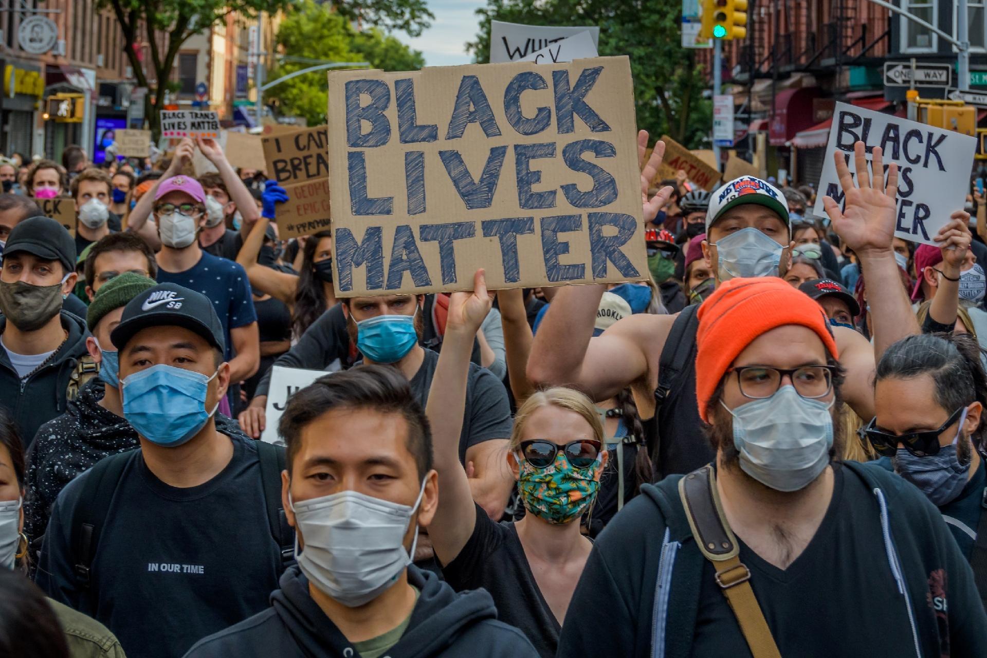 O que é Black Lives Matter: entenda movimento por trás da hashtag ...