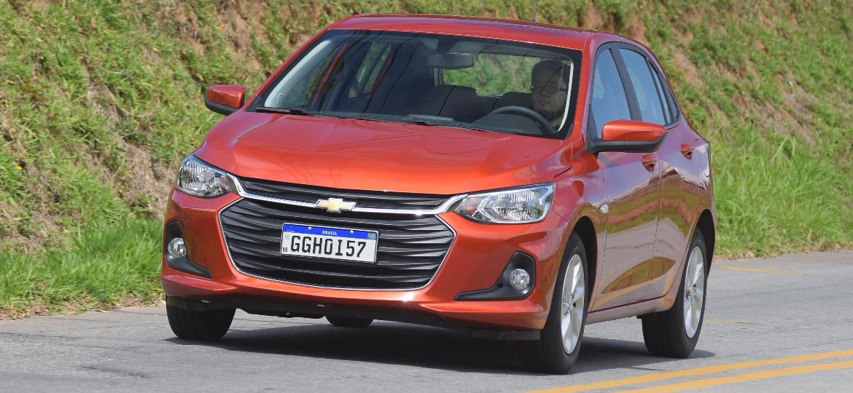 Onix com motor aspirado é um dos 5 carros a combustão mais eficientes do Brasil, capaz de percorrer 16,7 km/l com gasolina na estrada - Murilo Góes/UOL