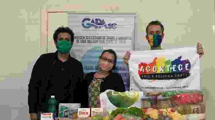 Ativistas do Acontece e do GAPA distribuem cestas básicas a pessoas LGBTs em situação vulnerável durante a pandemia - Arquivo pessoal - Arquivo pessoal