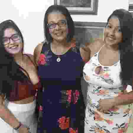 Patrícia Liscio Oliveira, ao lado das filhas Carolina (à esquerda) e Alessandra (à direita) - Acervo pessoal - Acervo pessoal