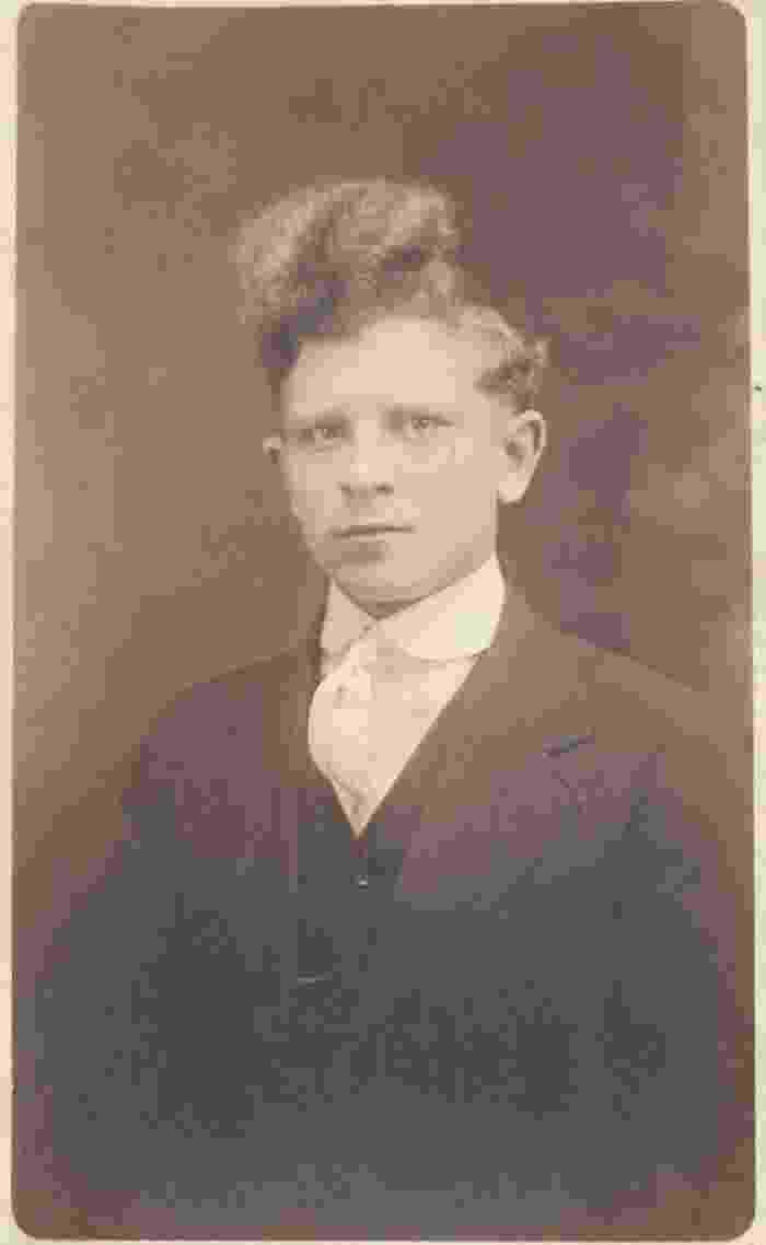 Cortes de cabelo masculinos vintages - Robert E. Jackson