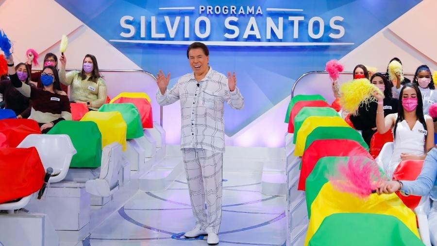 Silvio Santos decidiu vestir o pijama que ganhou de presente das filhas e do neto - Lourival Ribeiro/SBT
