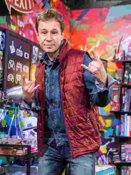 """Tiago Leifert como Marty McFly em seu programa mais recente """"Zero1"""" - Divulgação/TV Globo"""