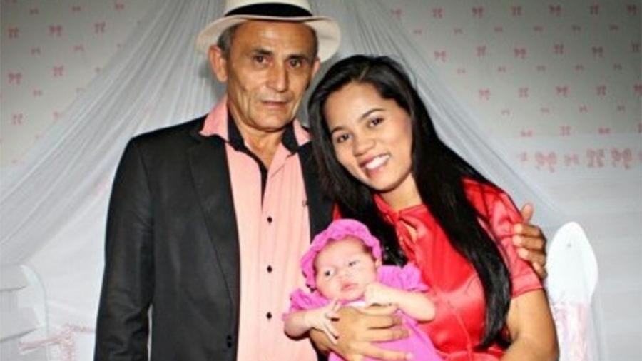 Stefhany Absoluta com a filha e o marido Roberto Cardoso - Reprodução/Instagram