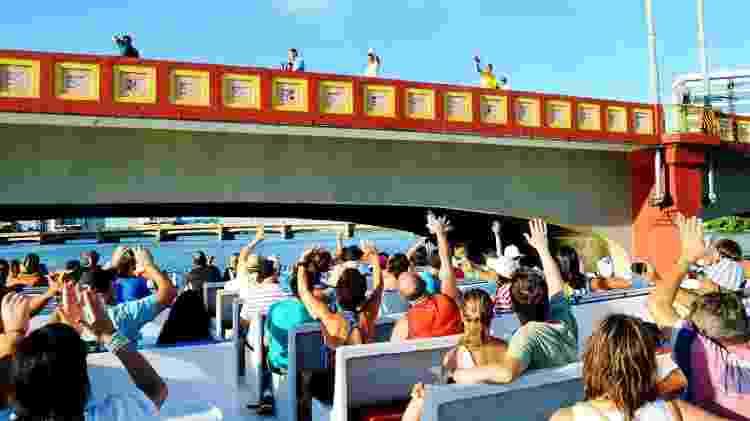 As pontes do centro de Recife são atrações do tour de catamarã - Rodrigo Cavalcanti/Catamaran Tours - Rodrigo Cavalcanti/Catamaran Tours