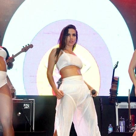 Anitta dá dica para não ser assaltado no Réveillon de Copacabana - Brazil News