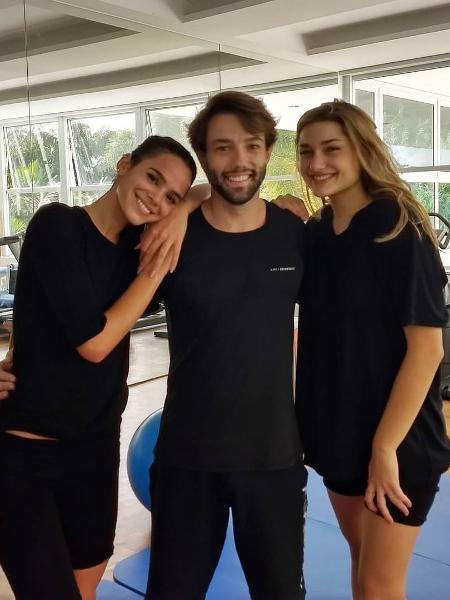 Bruna Marquezine, Tobias Campbell e Sasha - Reprodução/Instagram