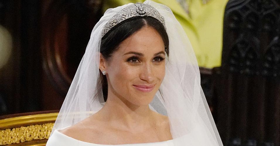 Meghan Markle no casamento usa tiara da rainha Mary